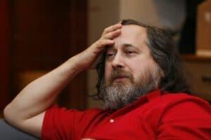 Richard Stallman deixou o MIT e a FSF por conta de mal-entendidos
