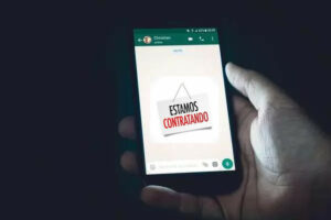 Golpes de emprego falso no WhatsApp deixaram indianos presos no Oriente Médio