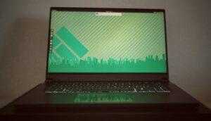 Manjaro Linux lançou um novo laptop para jogos AMD Ryzen-Linux