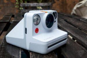 Polaroid Now - Conheça a nova câmera de U$$ 99 do Impossible Project
