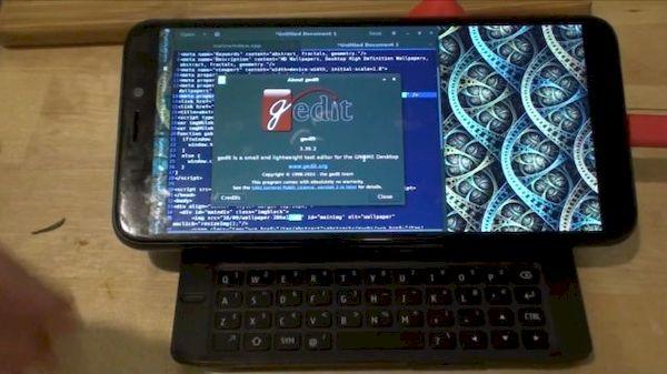 PinePhone com o teclado no estilo Nokia N900 será possível em breve