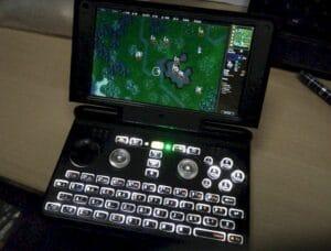 Dragonbox Pyra começou a ser enviado aos clientes (PC portátil de jogos)