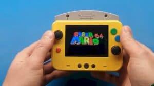 Menor Nintendo 64 do mundo é um pouco maior que um cartucho