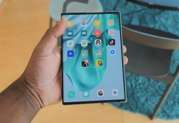Oppo também tem um smartphone enrolável! Conheça esse aparelho!