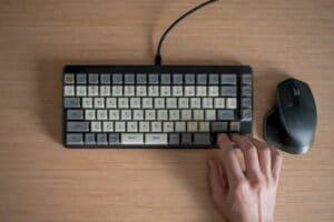 System76 finalmente lançou o teclado Launch com firmware aberto