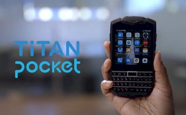 Unihertz Titan Pocket, um smartphone com tela pequena e teclado físico