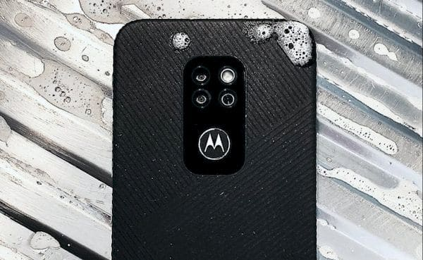 Motorola Defy, smartphone robusto que não é feito pela Motorola